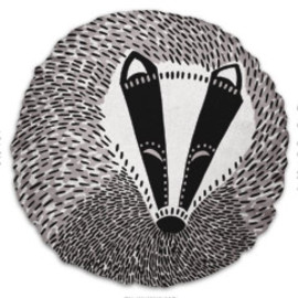 Solitaire - Round Badger Cushion