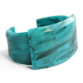 TOGA - Artificical Marble small Bangle (light blue)