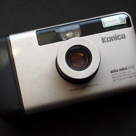 KONICA - BIG MINI HG / BM-300