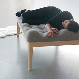 Stefanie Schissler - Like Sleeping On A Cloud: Kulle Daybed