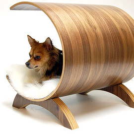 Vurv Design - Walnut Bent Plywood Walnut Dog Lounge