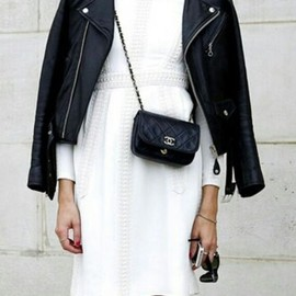 black/white wz CHANEL