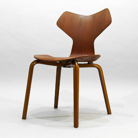 Arne Jacobsen - Grandprix Chair