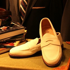 """BEAMS PLUS - ALDEN×BEAMS PLUS / 別注 """"White Penny Loafers"""""""