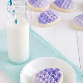 The Kitchen McCabe - Super Soft Sugar Cookie Recipe & Ombre Egg