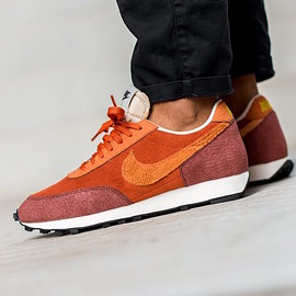 NIKE - Daybreak - Rugged Orange/Desert Orange/Pueblo Brown