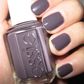 "Essie - ""Smoking Hot"" Nail Polish (for Arrow)"