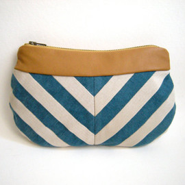 loucollection - LOU Blue and White Chevron Clutch with Fawn Leather