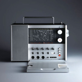 Braun - T-1000-Portable-radio