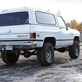 CHEVROLET - K-5 BLAZER SILVERADO 4x4 WHT High-LIFT