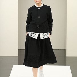tricot COMME des GARCONS - トリコ・コム デ ギャルソン(tricot COMME des GARÇONS) 2017年春夏コレクション Gallery19