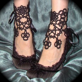 Pamela Quevedo - In Bloom Ankle Corsets - Tatted Lace Accessories
