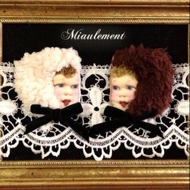 miaulement - baby brooch(fluffy cap)