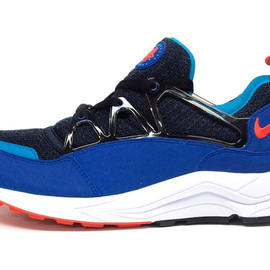 "NIKE - AIR HUARACHE LIGHT ""LIMITED EDITION for NONFUTURE"""