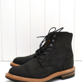 Tricker's For The Bureau - Waxy Black Low Leg Logger Boot