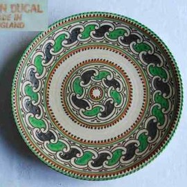 "CROWN DUCAL - CROWN DUCAL - GREEN CHAIN - 12.5"" CHARGER / WALL PLAQUE - CHARLOTTE RHEAD (?)"