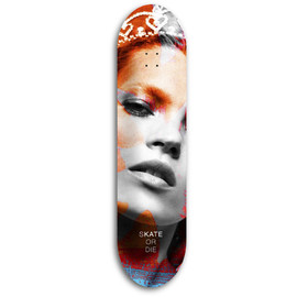 Skate Moss - by Kucho Sanchez / Kate Moss ①