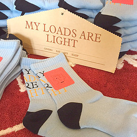MY LOADS ARE LIGHT, ambush - 別注 BASIC SOCKS (SAX BLUE)