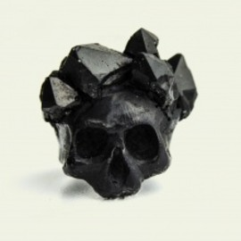 MACABREGADGETS - BLACK SKULL WITH CRYSTAL CROWN