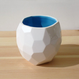 studioLORIER - Modern ceramic cup - handmade in polygons - Poligon Cup - faceted medium mug- Blue