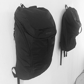 n.hoolywood&mountain hardwear - backpack