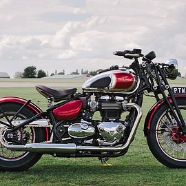 Triumph - Bobber with Speed Twin style