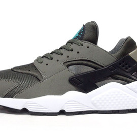 "NIKE - AIR HUARACHE ""LIMITED EDITION for NSW BEST"""