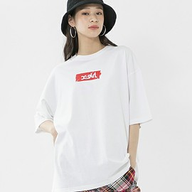 X-girl - X-girl(エックスガール)の「TAPE LOGO DROP SHOULDER S/S TEE(Tシャツ/カットソー)」|ホワイト