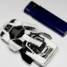 AUTOart - 1:43 Mclaren F1 1993 Road Car (Pure White)