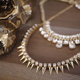 vintage-inspired jewelry