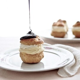 vanilla cream puff with chocolate glaze