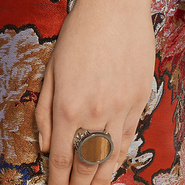 GIVENCHY - Chevalière ring in palladium-tone and ruthenium-tone brass, tiger's eye and pyrite