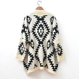 European Style Loose Fitting Geometric Figure Cardigan