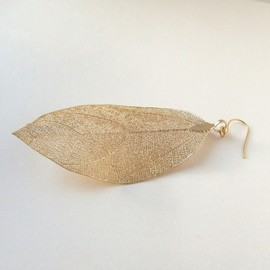 Maumoon Jewelry - Real leaf pierced earring