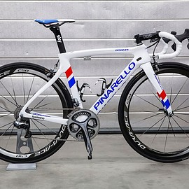 Pinarello - DOGMA F8 879 / UK CHAMPION 2016