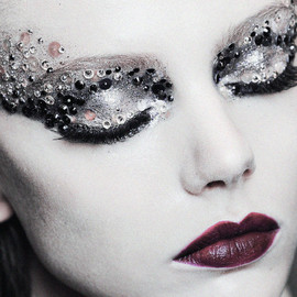 Christian Dior - makeup backstage at Christian Dior Haute Couture F/W 2011