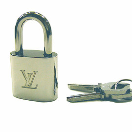LOUIS VUITTON - Padlock