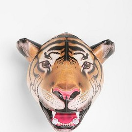 urban outfitters - Inflatable Tiger Head