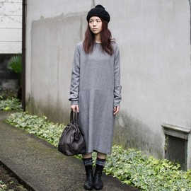 ARTS&SCIENCE - Loose boat neck dress (wool)