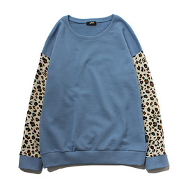 STUSSY WOMEN - Animal Panel Crew