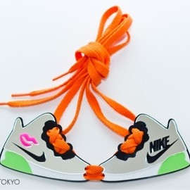 High-Me TOKYO - NIKE Sneakerboots Necklace