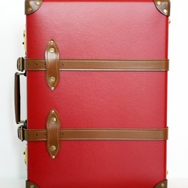 "Globe Trotter - 21"" Trolly Case CENTENARY RED"
