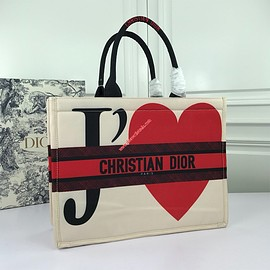 Dior - Dior Book Tote in Embroidered Canvas JE T'Aime