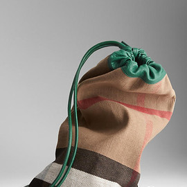 BURBERRY - The Little Duffle in Check Jute