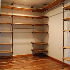 DIY - Industrial style pipe closet shelving