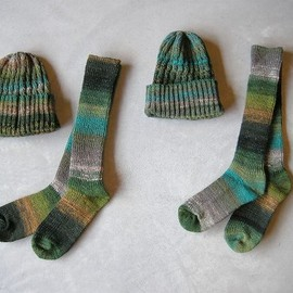 HOSIXES - Wool knit cap & Wool knee high socks