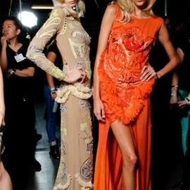 style icon - BACK STAGE/Abbey lee Kershaw and Anja Rubik