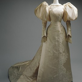 Wedding Dress, House of Worth 1896, French, Made of silk