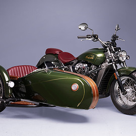 Indian - Scout sidecar with wooden trim