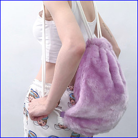 MaryJanenite - Furry String Bag